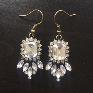 Dangle Crystal Sparkly Stone Earrings NWOT